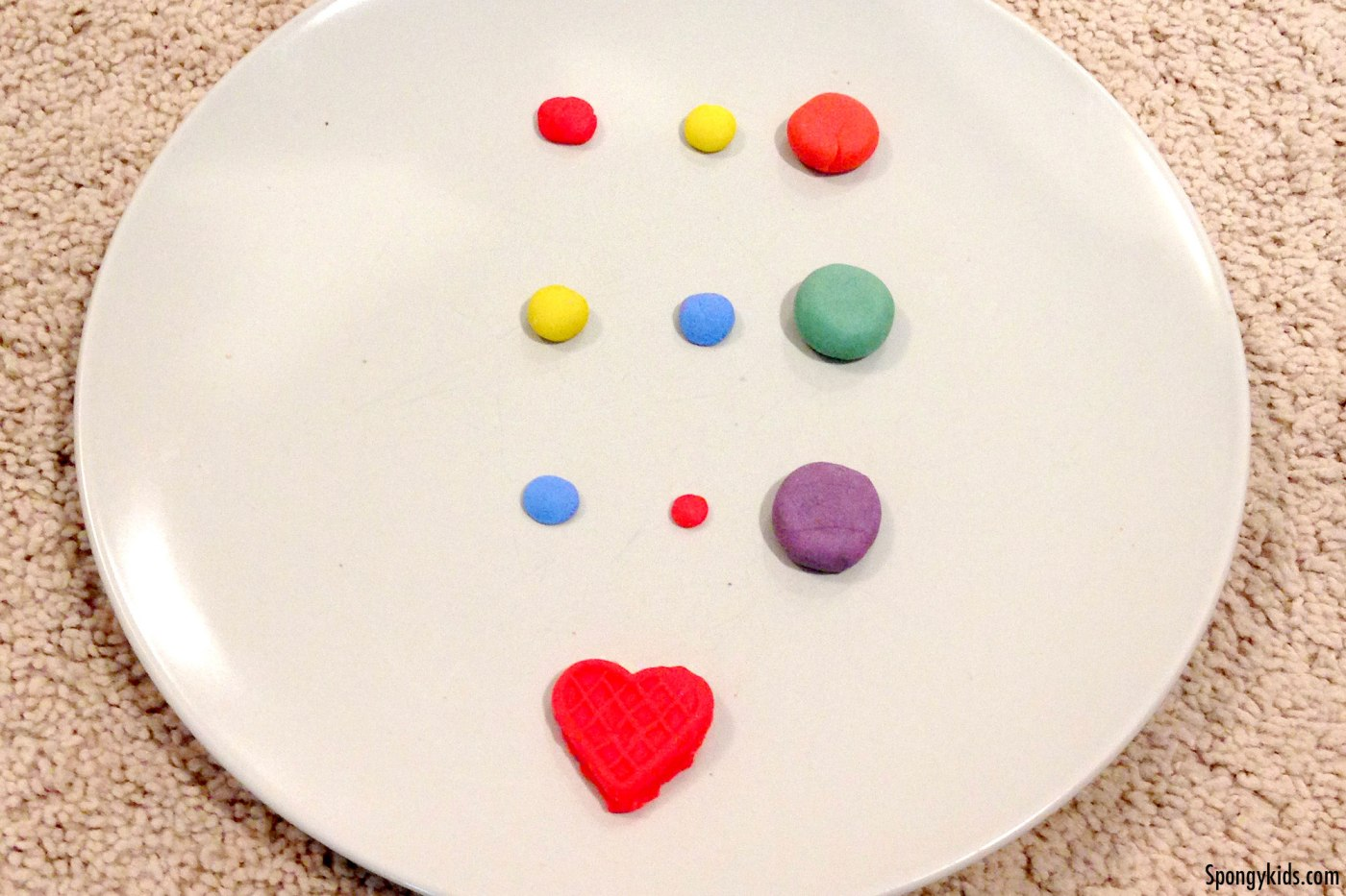 Hands-on activity for kids_making secondary colors with playdoh