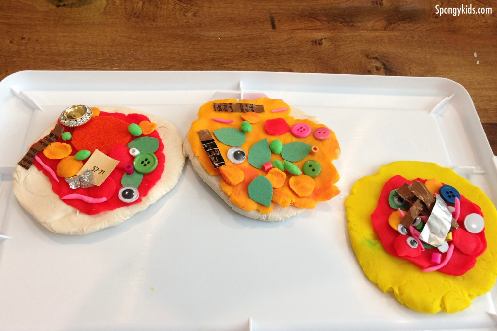 Pretend Play for Kids Pizza Shop with play doh