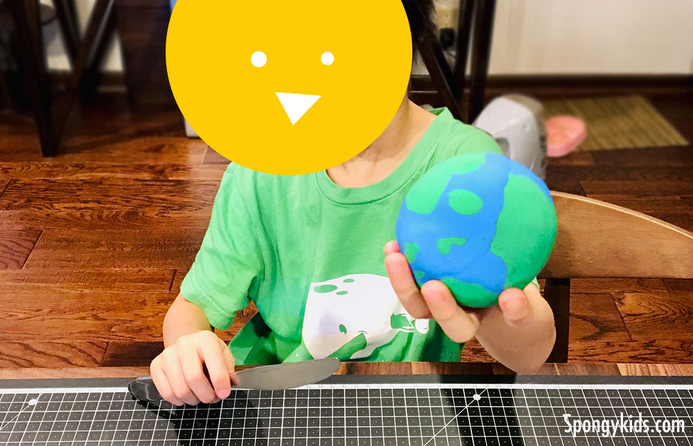 The layer of the Earth with Playdoh - Spongykids.com - Fun Learning Science Activities for Kids