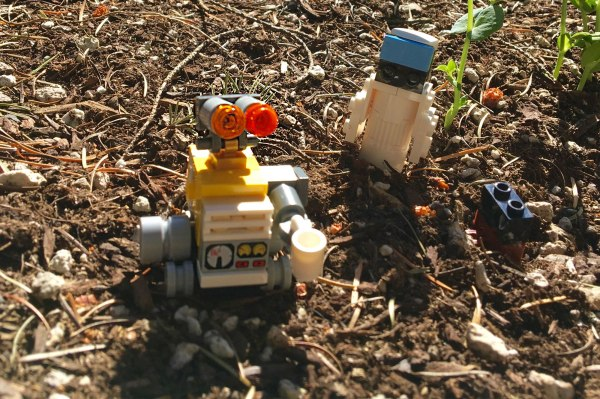 LEGO Wall-E and Eve Photo Shoot with Kids