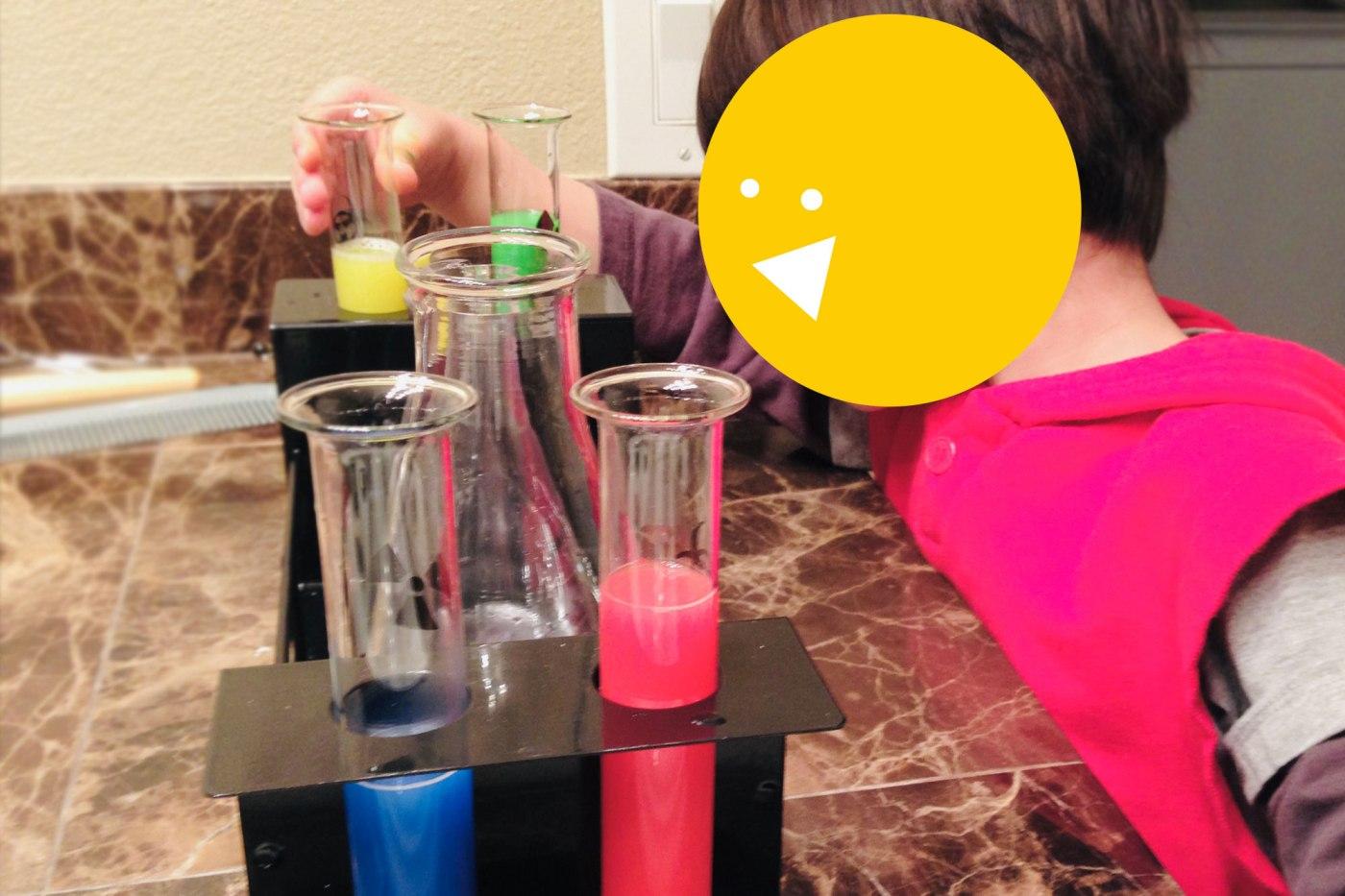 Mixing Colors: Indoor activity for preschoolers