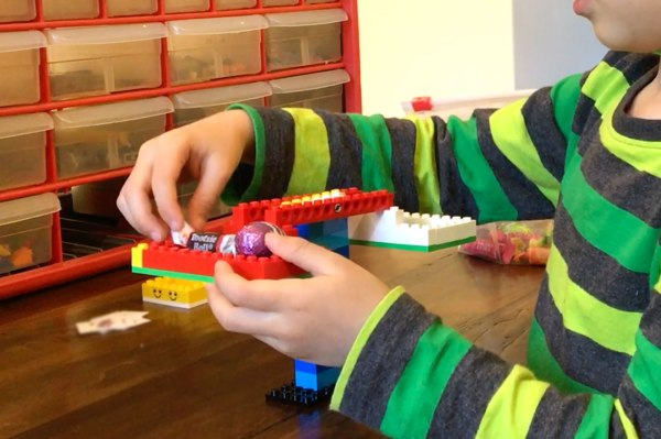 Lego Balance Scale: Indoor Activity for Kids